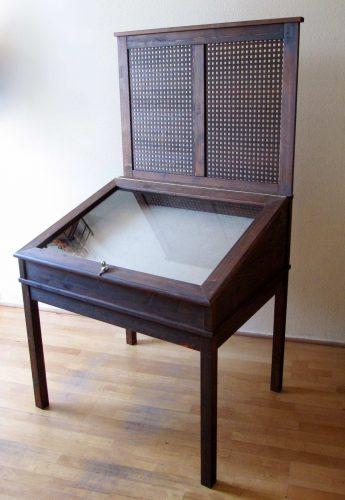 kiállító szekrény/case for exhibition