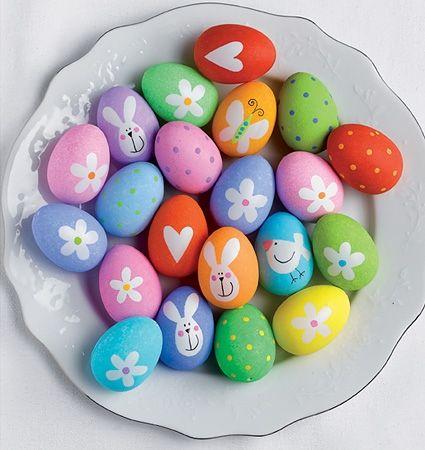 szines tojasok nyuszikkal