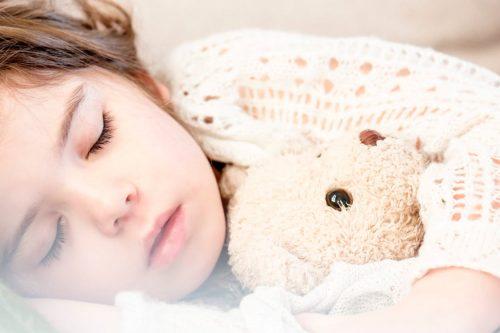 Gyerek alszik - Keresztelés - Vigyázó angyalka lámpa